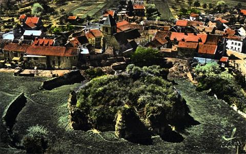 chateau-envahi